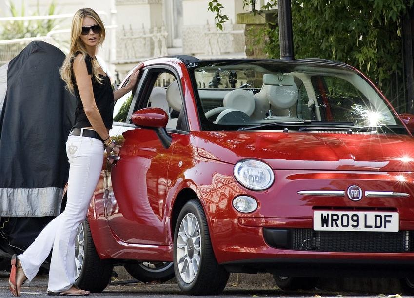 Fiat 500 et blonde