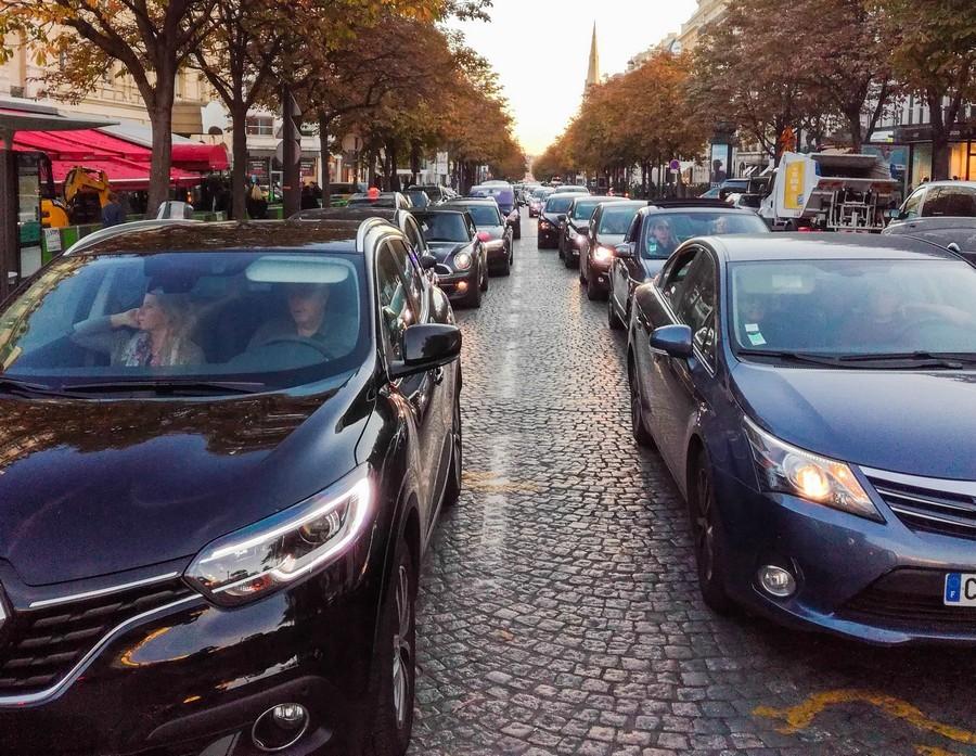 Circuler au milieu des voitures