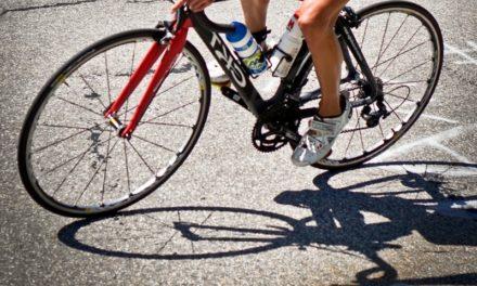 Le foot vs le cyclisme. Quel est le sport le plus populaire en France?