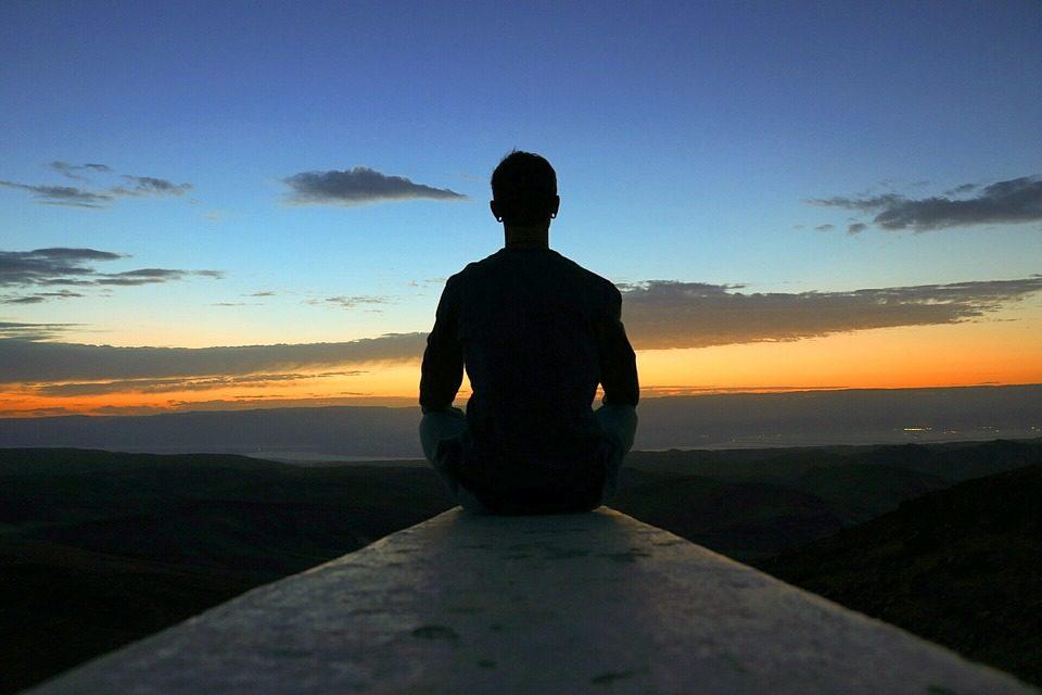 Comment la méditation peut améliorer les performances sportives